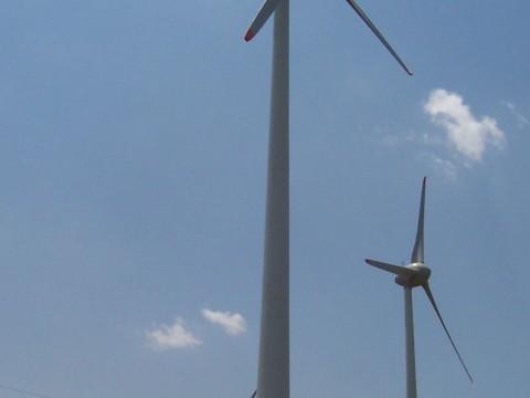 Een van de zeven windmolens